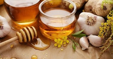 Health Benefits of Garlic with Honey